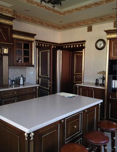 классические кухни из дуба