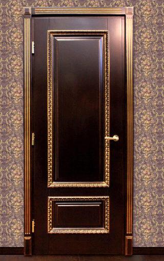 межкомнатные двери с золотой отделкой