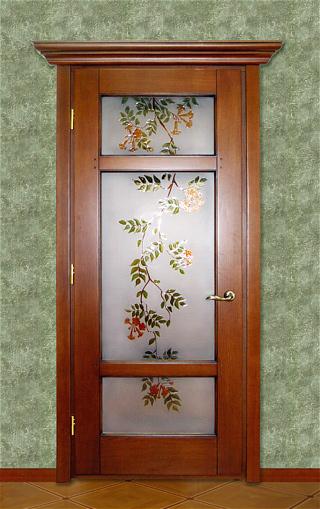 межкомнатные двери с витражами